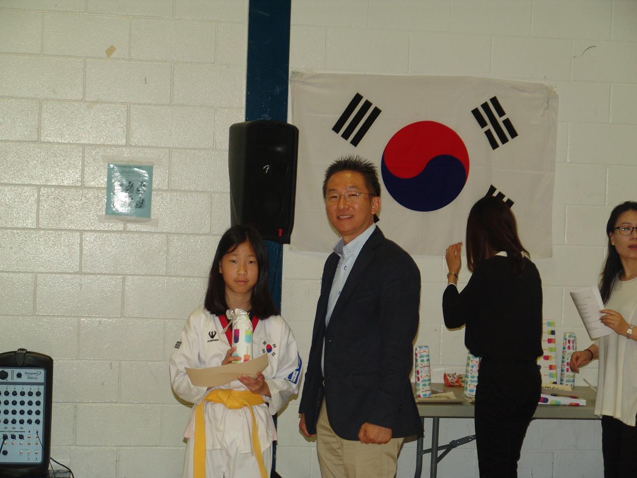 3-5 백일장 장려상 심윤서 Yoonseo Sim Creative Writing Third Prize.JPG